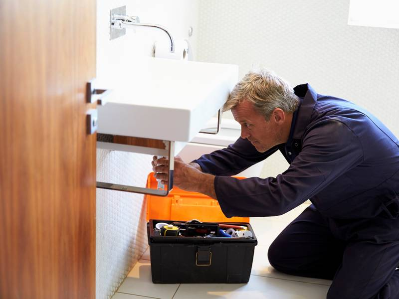 Do I Need a Commercial Plumber?